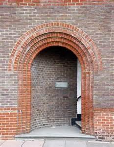 photo brick archway